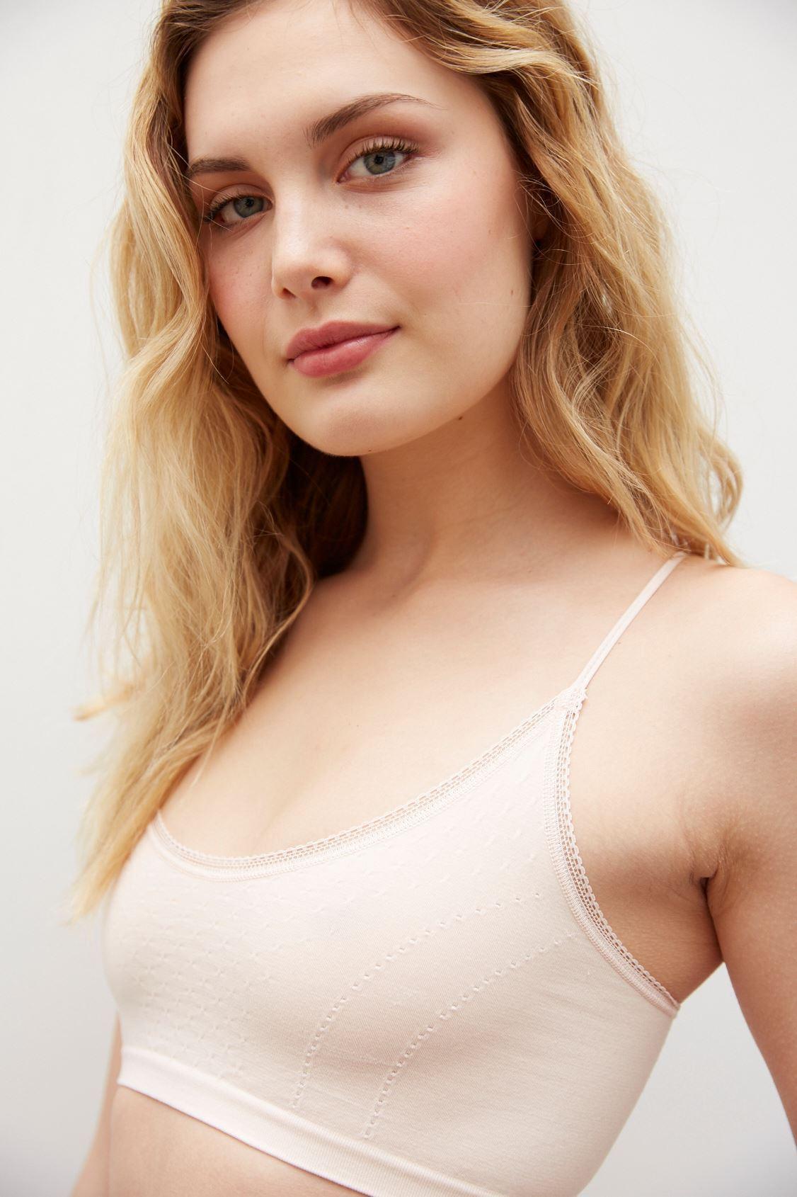 Elea Nude